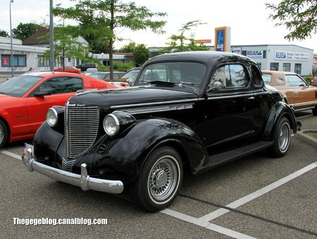 Chrysler royale coupé de 1938 (Rencard Burger King juin 2012) 01