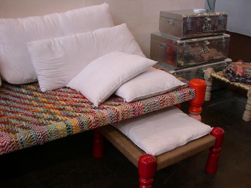 OUMA - charpoy multicolore et tabouret