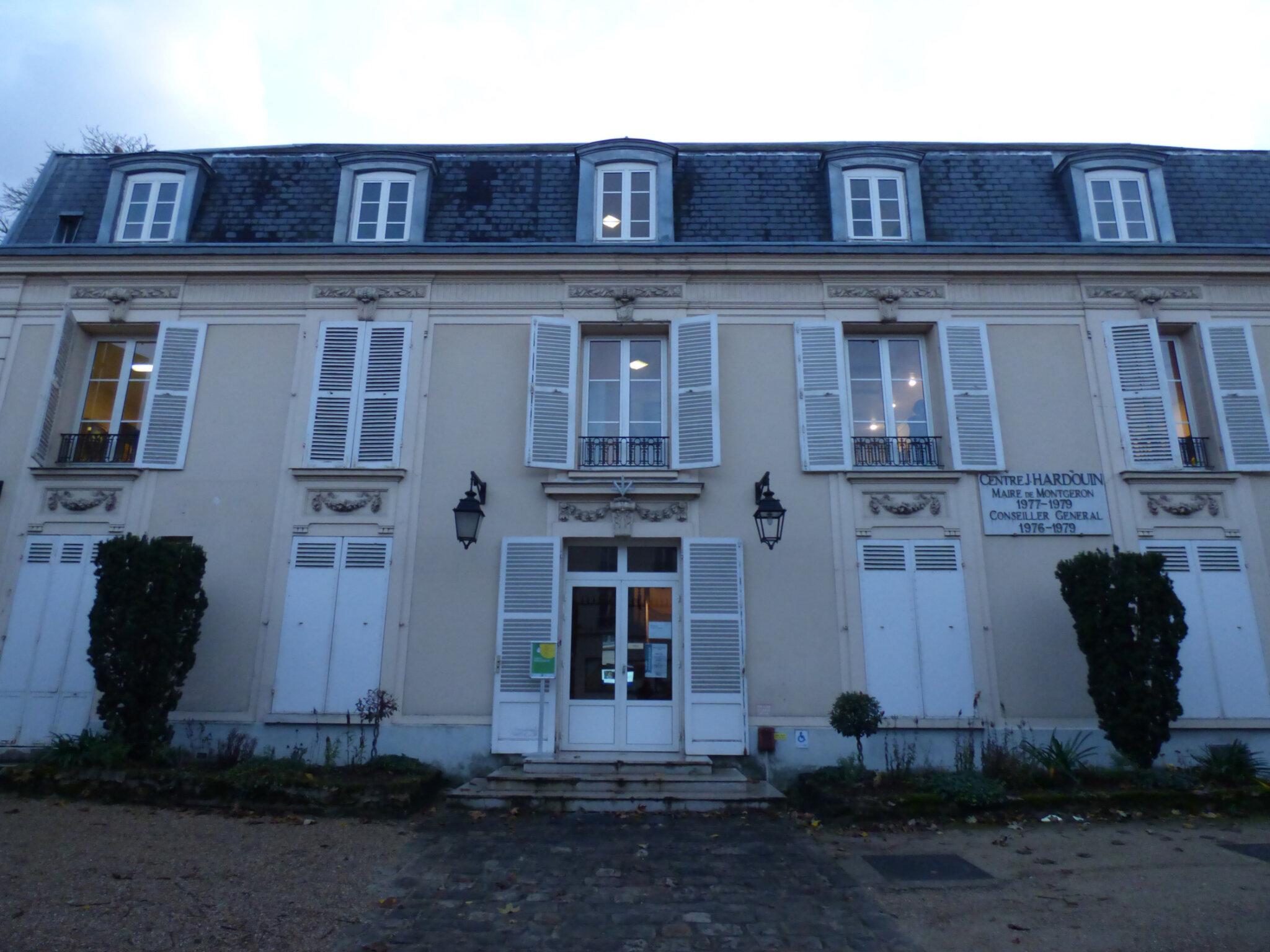 Allez ,venez faire un petit tour au Musée de Montgeron