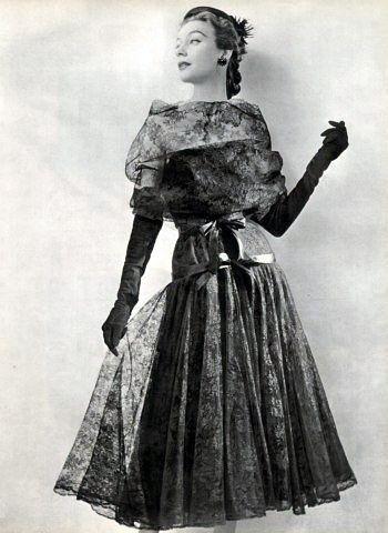 Balenciaga. 1953