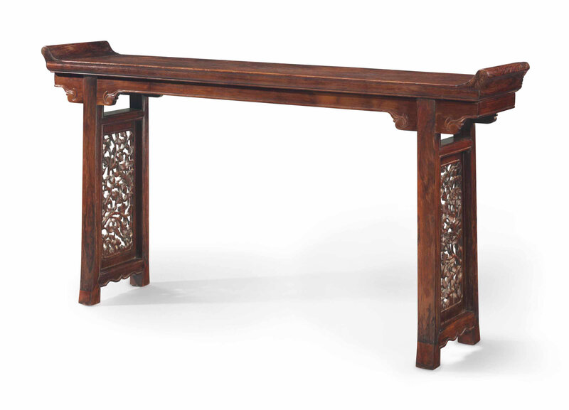 2014_NYR_02872_1102_000(a_huanghuali_recessed_trestle-leg_table_qiaotouan_17th_century)