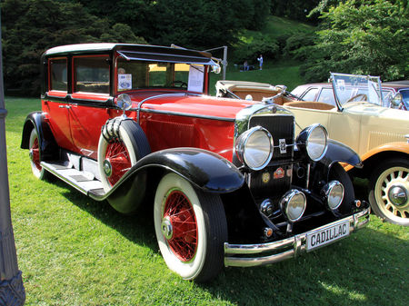 Cadillac_V8_sedan_de_1928__34_me_Internationales_Oldtimer_meeting_de_Baden_Baden__01