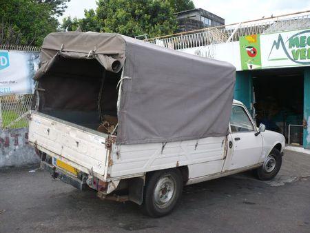 PEUGEOT 504 camionnette pick-up baché Le Tampon (2)
