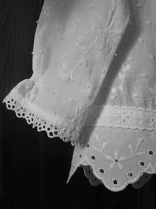 blouse_broderies_anglaises_d_tail2