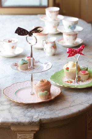 Vintage_plate_cake_stands