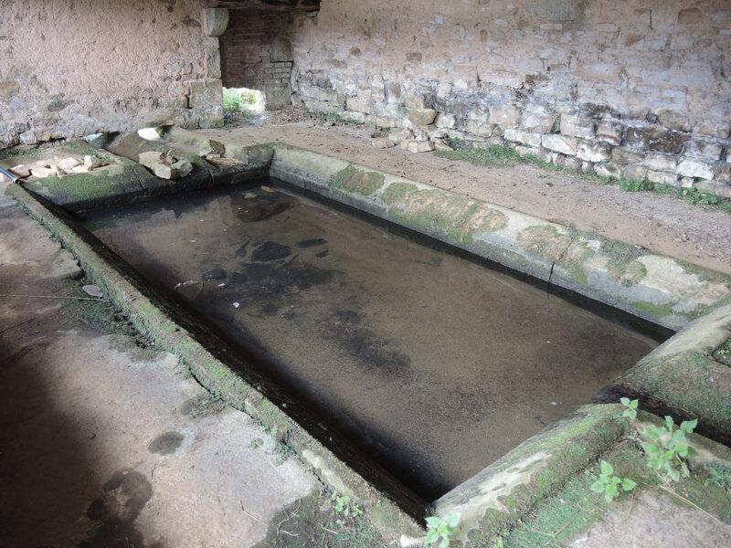 Sancenay, lavoir, intérieur