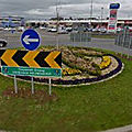 Rond-point à carrick-on-shannon (irlande)