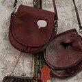 petit sac besace cuir + broche plexi