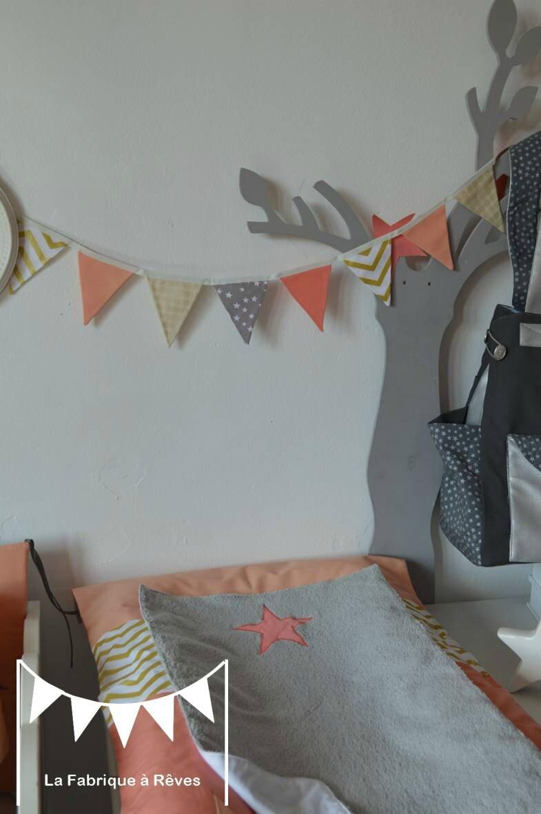guirlande fanions tissus abricot corail doré gris étoiles chevron pois - décoration chambre fille corail abricot pêche doré gris