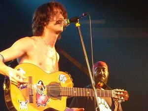 2010_05_Gogol_Bordello_La_Riviera_081