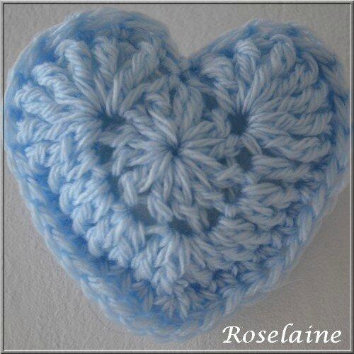 Roselaine 18 crochet coeur bleu