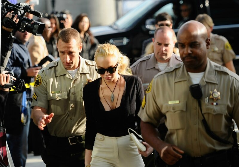 Lindsay-Lohan-Arriving-Court-LA-Her-Preliminary-Hearing-Over-Stolen-Necklace-Hears-Shell-Have-Jail-Time