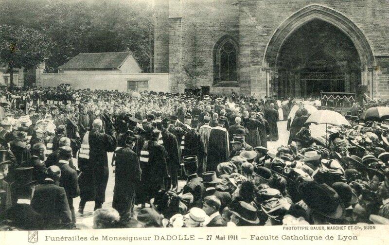 funérailles Mgr Dadolle (1)