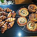Croissants et pains roulés à la crème pâtissière et au chocolat