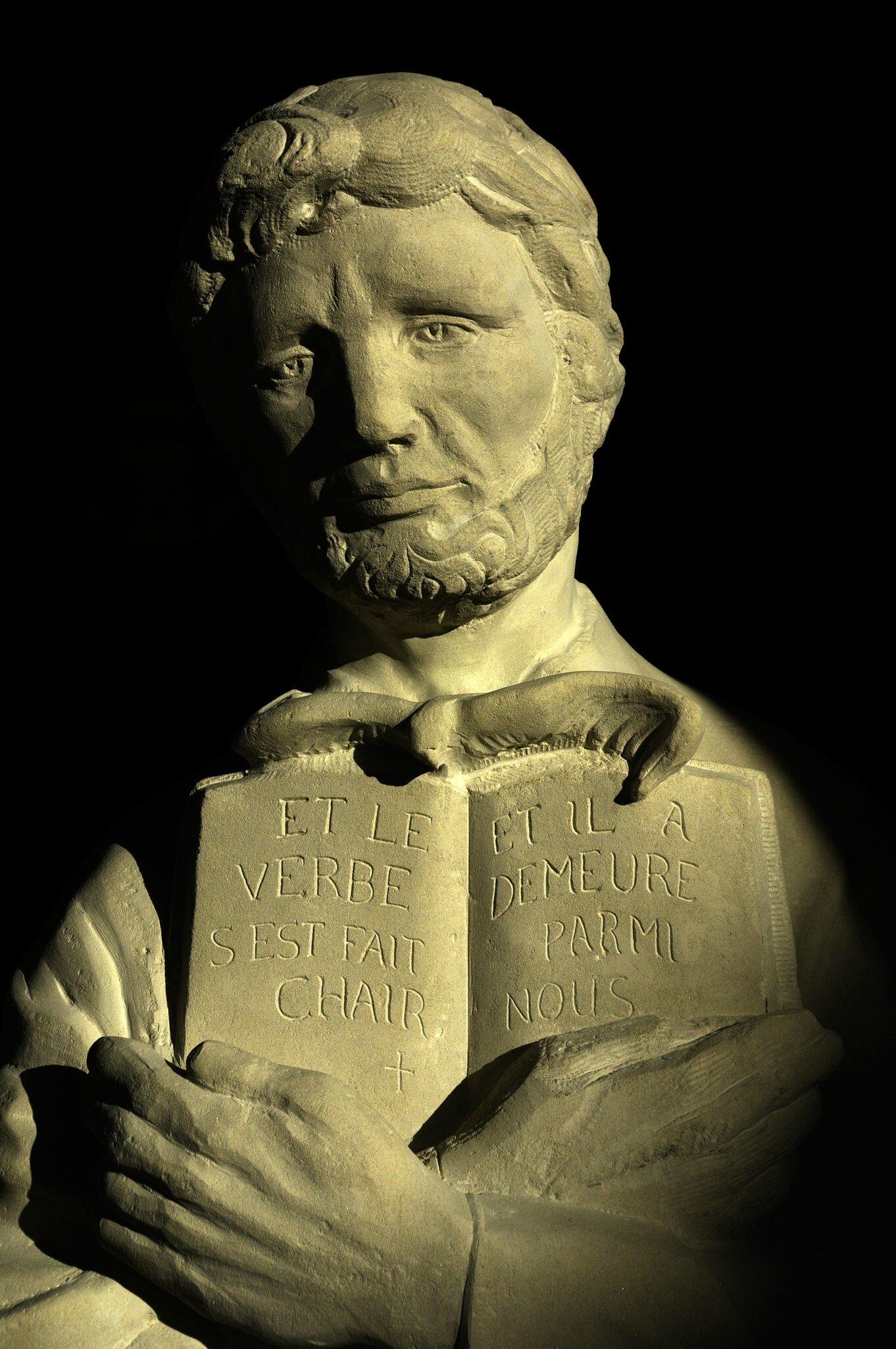 Fulbert DUBOIS sculpteur - Saint Jean - sculpture pierre