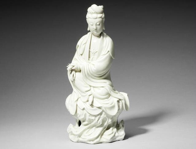 A magnificent Dehua figure of Guanyin, attributed to Hui Jiang, 17th century