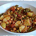 Ragoût de pommes de terre et de pois chiches tomaté, plat végétarien, et même végétalien