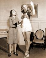 1947-marilyn_with_Helena_Sorell-by_dave_cicero-031-1