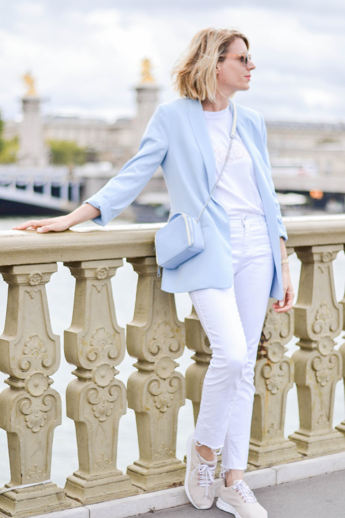 Look look look # Baby blue in Paris