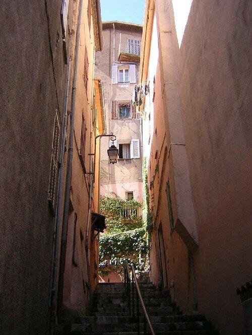 CANNES Petite rue du Suquet