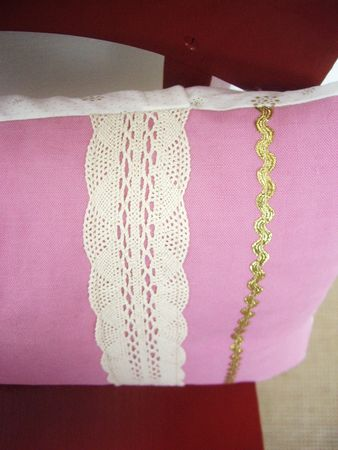 mauricette_coussin_application_rose_detail