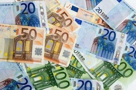 Le_journal_France_Soir_offre_des_beaux_salaires__ses_chroniqueurs_vedettes_tels_PPDA_Laurent_Cabrol