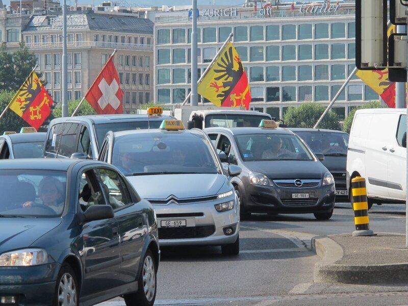 geneve-le-6-juillet-2015-les-taxis-genevois-roulent-contre-uber-pop-dans-le-centre-ville-archives-photo-le-dl-sebastien-colson-1572878180