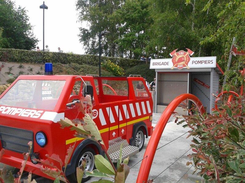 Les apprentis pompiers : la caserne