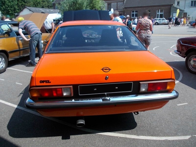 OpelManta1900GTEar