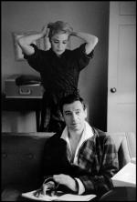 1960-beverly_hills_hotel-montand_signoret-by_BD-PAR99524