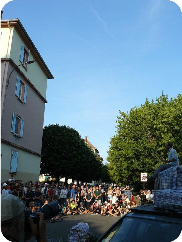 Quartier Drouot - Spectacle de rue Tleta26