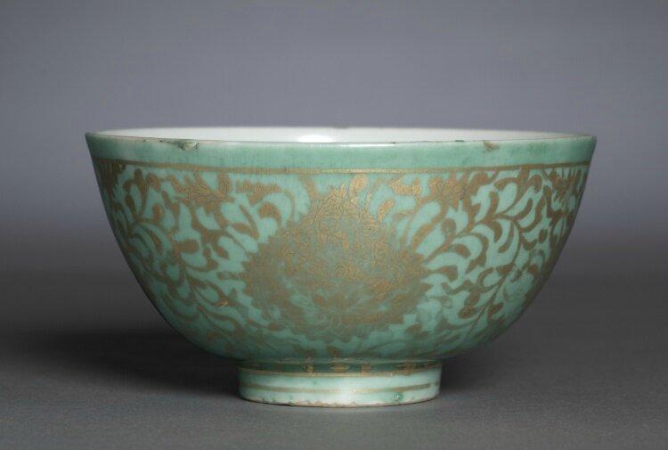 Bowl with Lotus Scrolls, 16th Century, China, Jiangxi province, Jingdezhen kilns, Ming dynasty (1368-1644)
