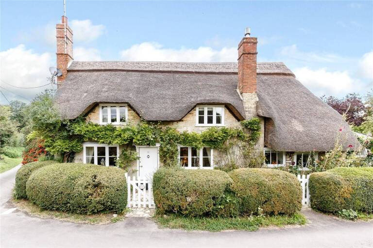 thatched-cottage-goals-english-cottage