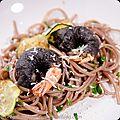 Spaghetti au vin rouge et gambas noirs