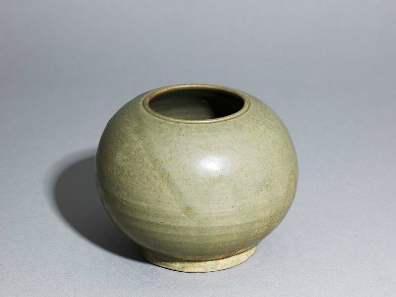 Greenware globular jar, Yue kiln-sites, 9th century AD (AD 801 - 900), Tang Dynasty (AD 618 - 907)