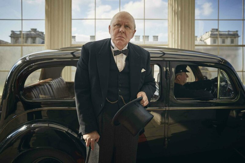 2048x1536-fit_john-lithgow-transforme-winston-churchill-the-crown-netflix-4-novembre-2016