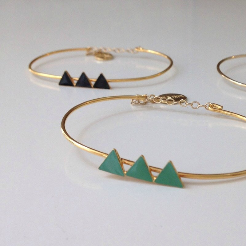 nils-avril-bracelet-emaille-triangles
