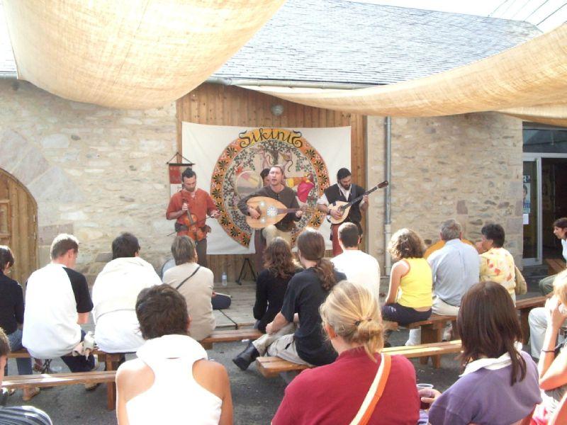 SIKINIS au Festival de Chanteix 2005