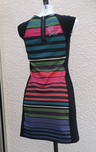Robe Sans Manches Noire Rayures Multicolore Desigual Taille S