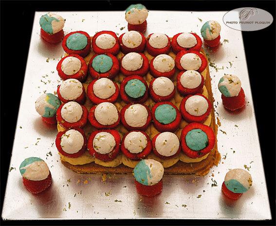 N°1 SAINTE_BAZEILLE_fete_de_la_fraise_concours_des_desserts_n1_L_ame_en_fraise_classee_1ere