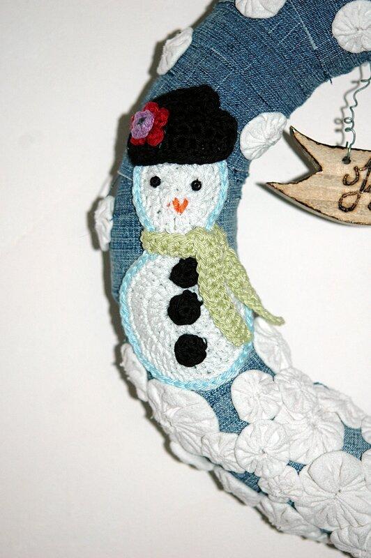 Couronne de noel jean récup bonhomme de neige