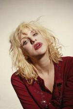 courtney_love-1993-03-29-by_kevin_cummins-1-2b