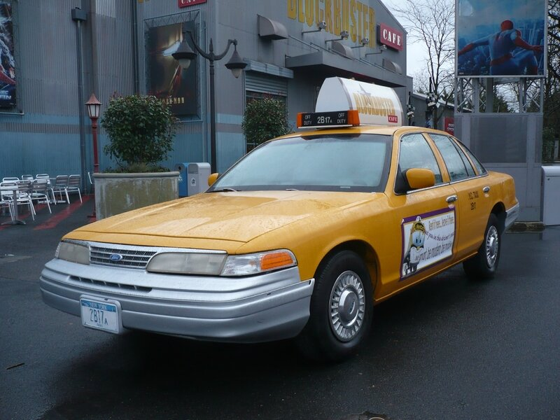 FORD Crown Victoria taxi new-yorkais 1993 Marne la Vallée - Disneyland (1)