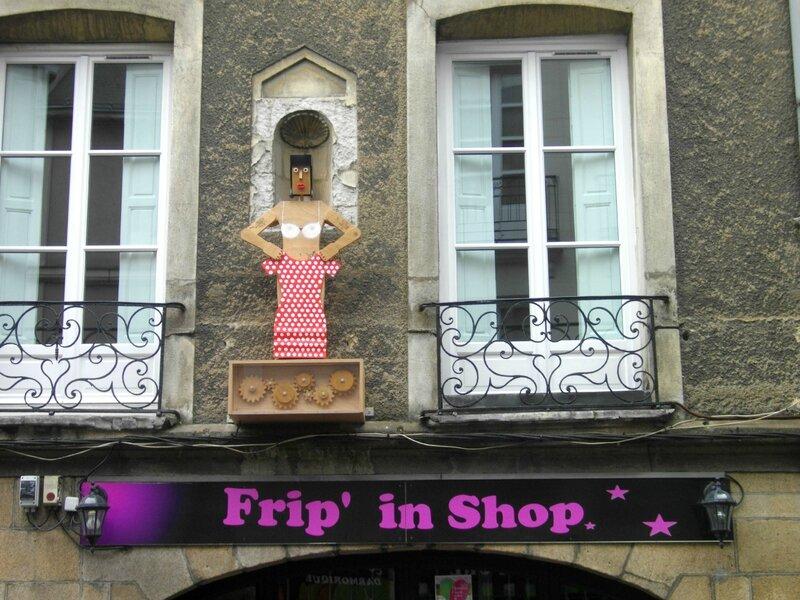 enseigne-voyage-nantes-frip'n-shop-rue-maréchal-joffre