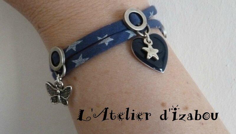 P1120609 Bracelet double tour liberty bleu et étoiles, breloques émaillées marine, papillon, étoile