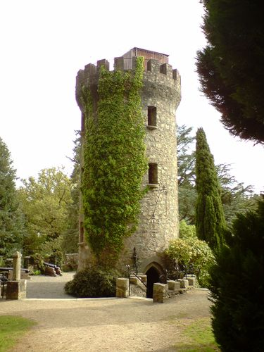 The Pepperpot Tower... Fiona, Shrek's coming !