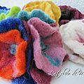 Fleurs en laine feutrée