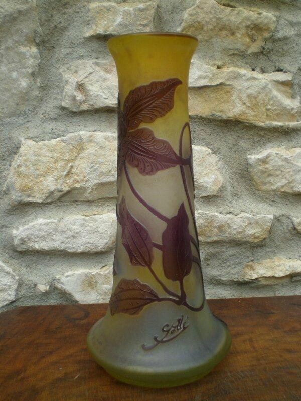 Vase en pâte de verre Gallé