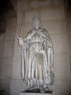 philippe auguste statue