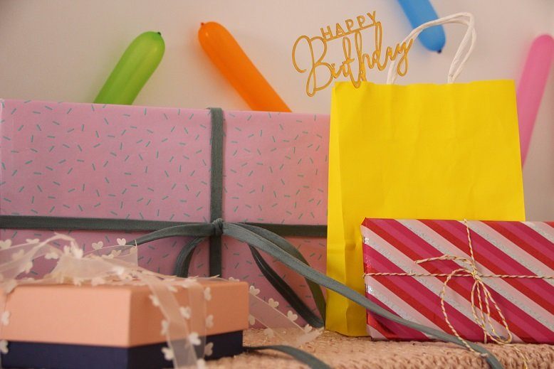 happy_10_donut_party_gifts